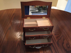 Jewelry Chest with Mirror