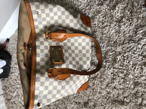 Authentic Louis Vuitton Damier azur hamstead in Mm