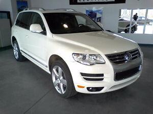 2010 Volkswagen Touareg SUV, Crossover