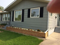 IMMACULATE 3 BEDROOM BUNGALOW - YORKTON - AVAILABLE OCT. 1