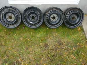 4 x rims FORD 15 pouces // 4 x FORD 15 inch rims