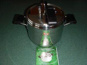 Lagostina 7L Pressure Cooker- Never Used