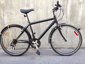 Large fast & strong black hybrid/MTB w/fenders, 21speed Shimano