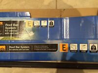 Halfords system E Roof Bars