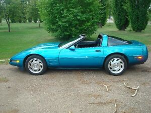 1993 Chevrolet Corvette Coupe (2 door)