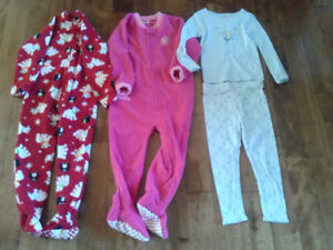 Girls Fall/Winter PJs-New without tag(4/4T)