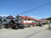 Sorrento/Shuswap Lake - 22 Unit Motel Plus Pub, Mgrs Residence