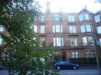 2 bedroom flat in Queens Park Avenue, Govanhill, Glasgow, G42 8BX