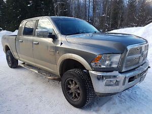 2010 Dodge Power Ram 2500 Laramie Megacab