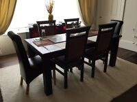 Beautiful Rotherwood Dinjng Table and Chairs
