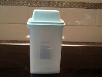 Tupperware Pickle Keeper - New Condition