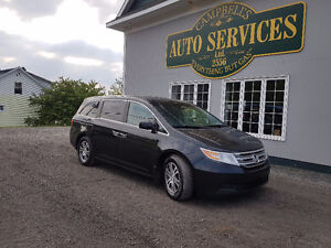 JUST IN...2011 Honda Odyssey EX-L WITH RES...FINANCING!!!