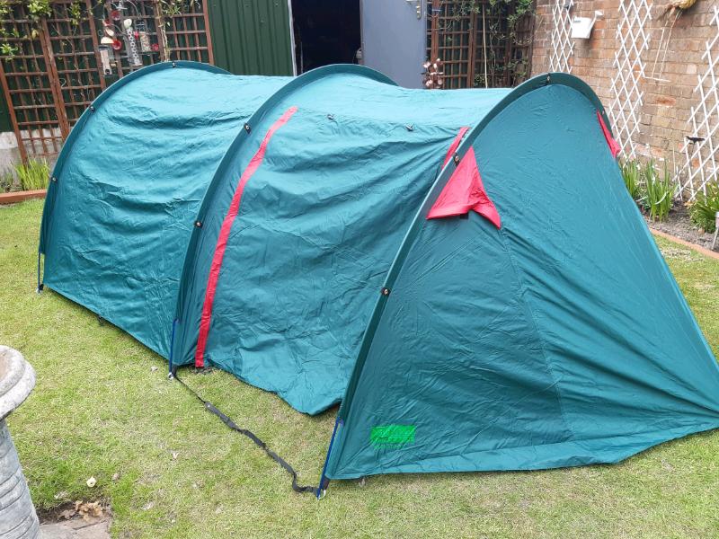 Royal camping 2 berth tent saskatoon new | in Wolverhampton, West Midlands | Gumtree