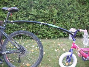 Barre de remorquage pour vélo d'enfant Trail-Gator