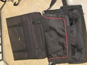 2 laptop cases
