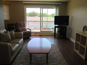 2 BEDROOM CONDO... WHYTE AVE! CLOSE TO UNIVERSITY!