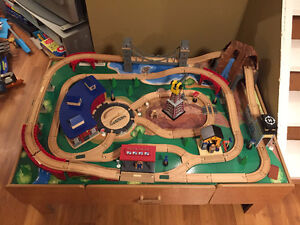 Full Table Train Set w/Trains and Accessories