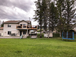 Invermere-on-the-Lake Vacation Rental Sleeps 8