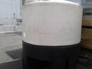 Plastic Poly Water Tanks  4000 Lit. 1050 gallons, for sale