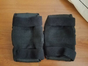 PAIR of ROLLERBLADE ELBOW PADS (LARGE) in VERY GOOD CONDITION