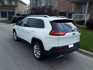 2016 Jeep Cherokee FWD Limited. 20,000 KMS.