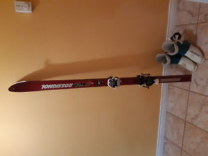 ROSSIGOL SKIS & SKI BOOTS FOR SALE!