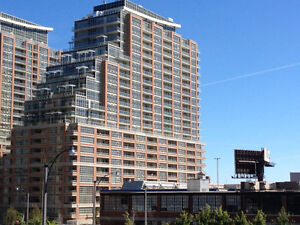 21st floor corner unit in Liberty Village with unobstruced views