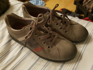 Ecco women's shoes sneakers NEW size 7.5 euro 38 gray arch suppo