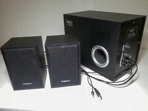2.1 USB powered computer wooden speakers