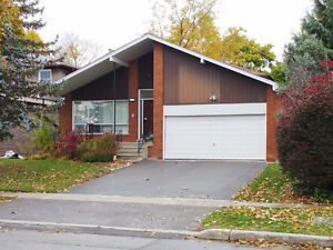 Bayview/Steeles 4 Bedroom 3 bath Detached House Move in Now