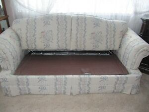 Queen sofa bed and matching couch Cornwall Ontario image 4