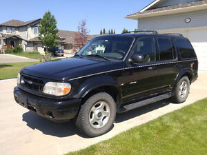 2000 Ford Explorer Limited SUV, Crossover