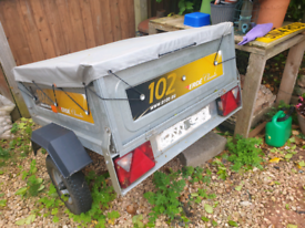 Erde 102 classic trailer and accessories