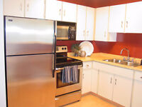10 out of 10! End unit townhouse. 3 bedrooms. Nice ktichen