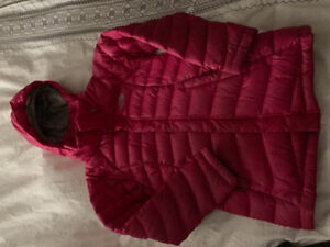 North face girls pink down jacket. Size Small (7/8).