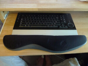 Kensingston Sports Silicon keyboard Wrist Rest .