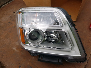 2010 - 2015 GMC Terrain headlamp headlight passenger RH side