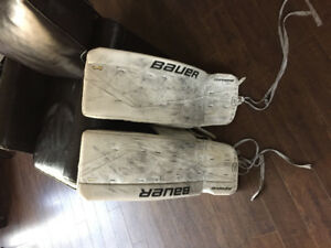 31 + 1 intermediate Bauer goalie pads and skates