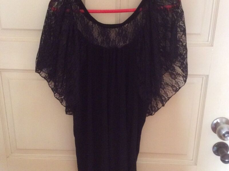 Preloved Black Cotton Top With Lace Draped Sleeves