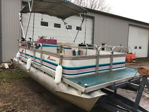 18 foot Pontoon boat and trailer