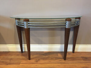 Sofa Table -excellent condition