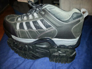 Altra industrial work shoes-new Size 12 (Men)