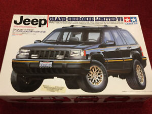 Vintage and Rare!! Tamiya 1/24 Jeep Grand Cherokee Limited V8