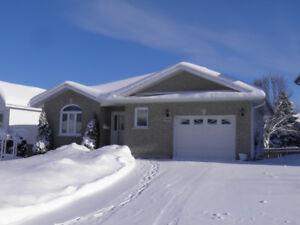 1064 Lake St -Open House Sat Jan 20 & 21s - 2-4 pm