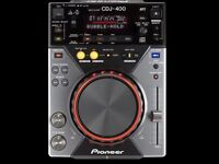 2 x Pioneer CDJ 400 DJ Decks in great condition, boxed and hardly used (less than 20 times at home)