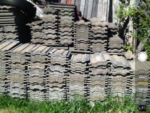Lot de tuile en ciment pour toiture ou autre environ 1500 pc