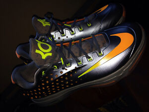 Kevin Durant Nike Zooms Size 15