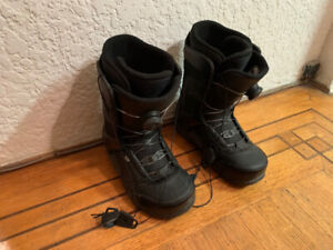 RIDE SNOWBOARD BOOTS SIZE 9