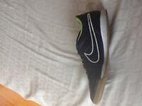 Soulier de soccer intérieur Nike taille 11
