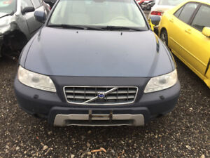 2005 NAVY BLUE VOLVO XC70 PART OUT